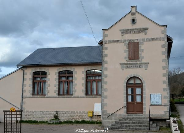 Mairie du village de Chalaux – Mairie école de Chalaux