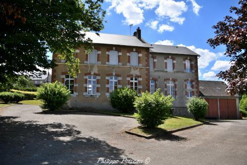 Mairie école de Lavault de Frétoy – Patrimoine
