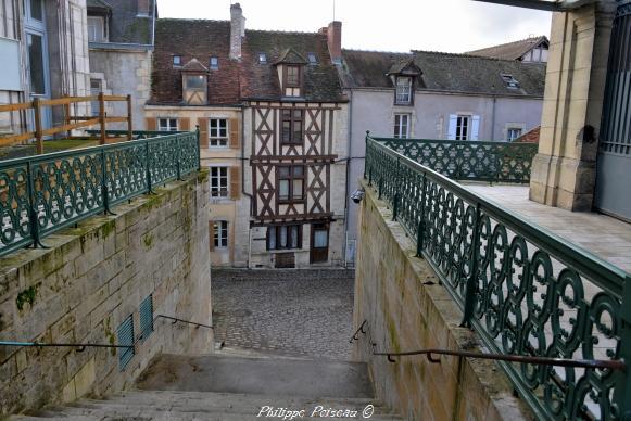 Maison à colombage rue des Moulins de Clamecy remarquable