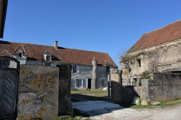 Manoir du village de Mavé