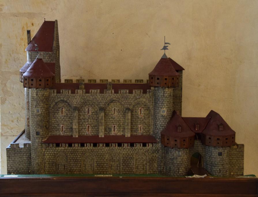 Le château Comtal de Nevers un beau patrimoine disparu