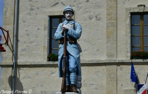 Monument aux Morts de Saint Léger de Fougeret