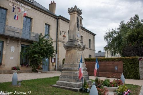 Monument aux morts d'Ouroux en Morvan – Souvenir