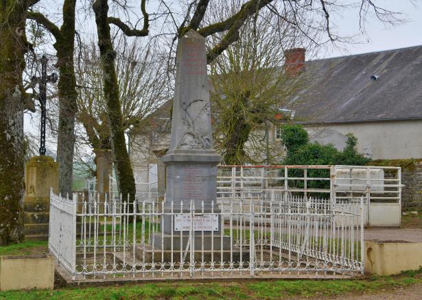 Monument aux morts de Bazolles un hommage