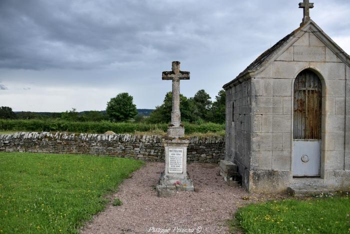Monument aux morts de Champallement un hommage.