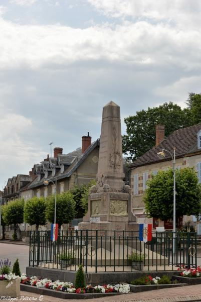 Monument aux morts de Lucenay