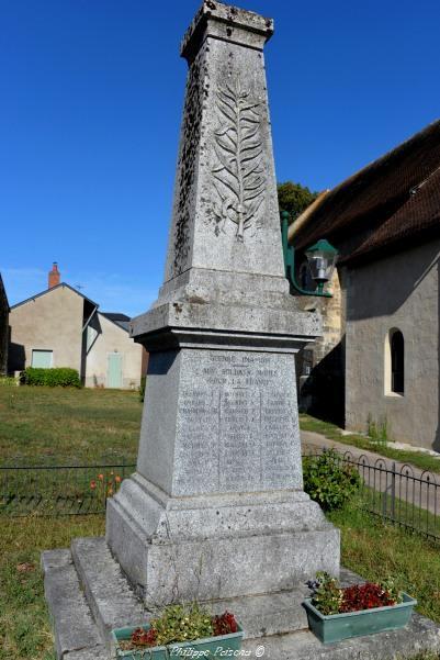 Monument aux morts de Montigny aux Amognes