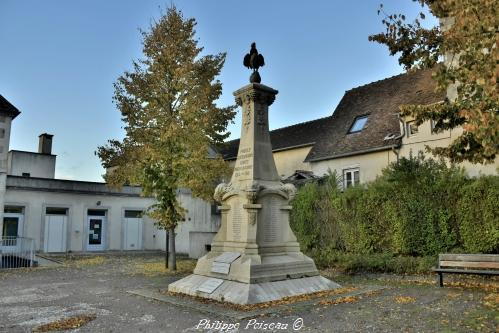 Monument aux morts de Pouilly Sur Loire – Souvenir