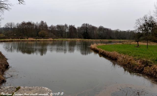 La Papeterie un ouvrage sur le Canal du Nivernais