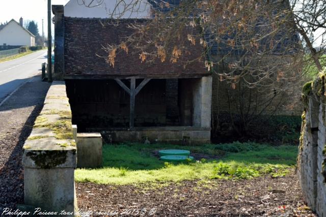 Lavoir rue les champs du Moulin