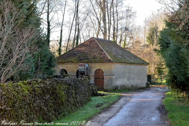 Le grand lavoir de Champlemy Nièvre Passion