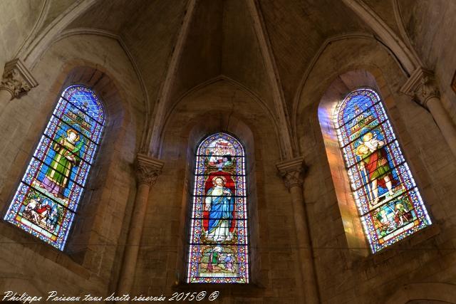 Vitraux de l'église de Château Chinon
