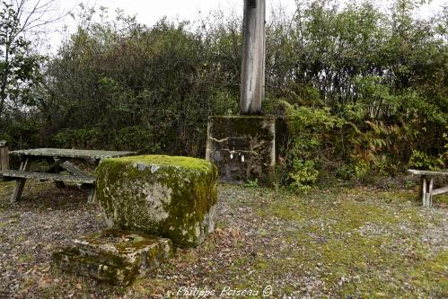 Pierre des morts de Chatin Nièvre Passion
