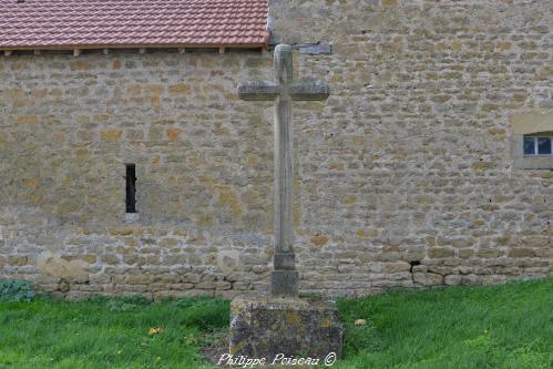 Pierre des morts de Diennes-Aubigny – Patrimoine