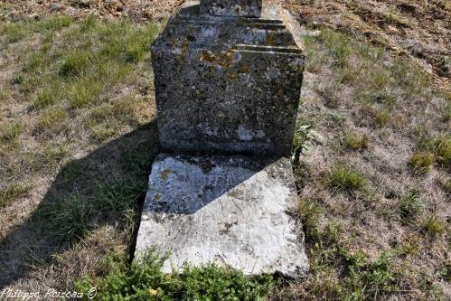 Pierre des morts de Latrault Nièvre Passion