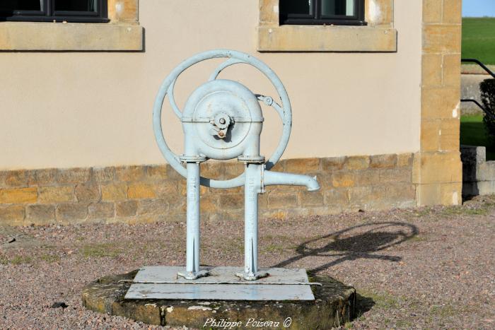 Pompe à volant de Saint-Sulpice