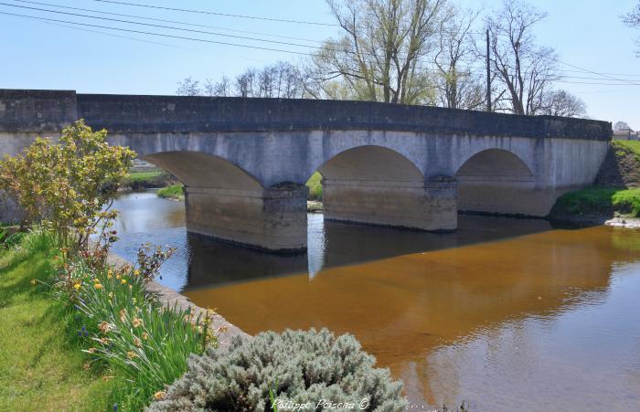 Pont de Cercy la Tour un beau patrimoine