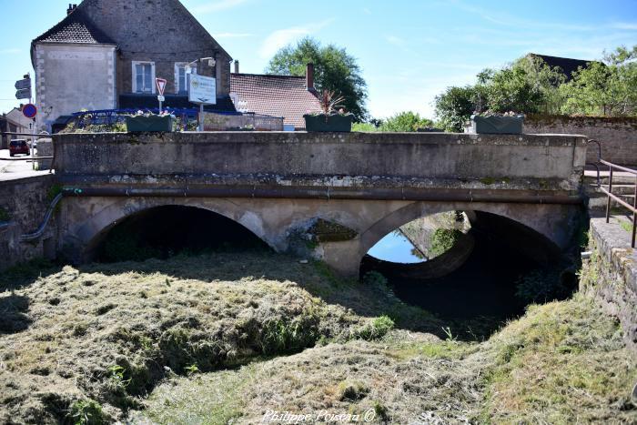 Pont rue de Vézelay