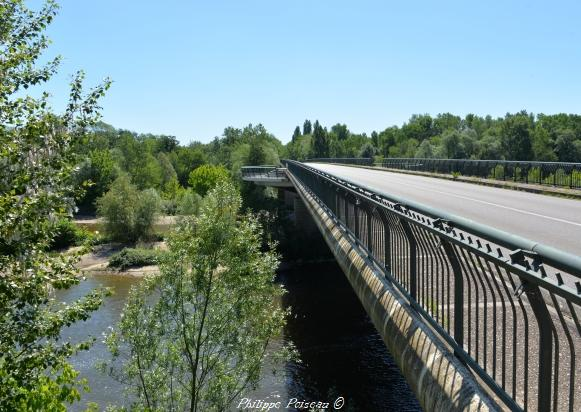 Pont sur L'Allier Nièvre Passion