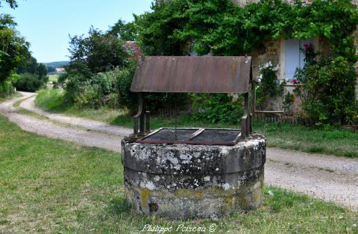 Puits de la commune d' Arzembouy – Patrimoine