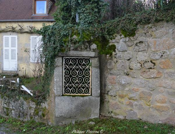 Puits de la route du puits de Lormes Nièvre Passion
