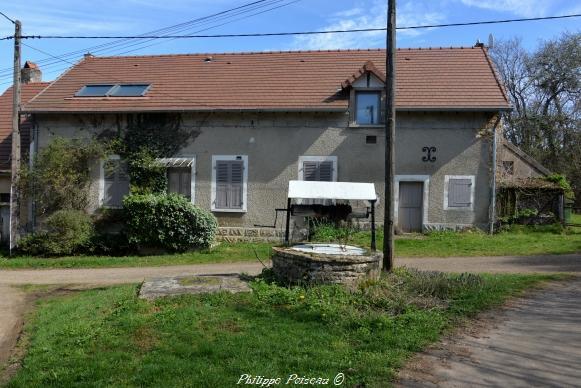 Puits du hameau La Bondé