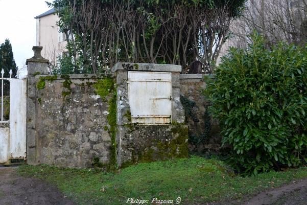 Puits rue du Panorama de Lormes