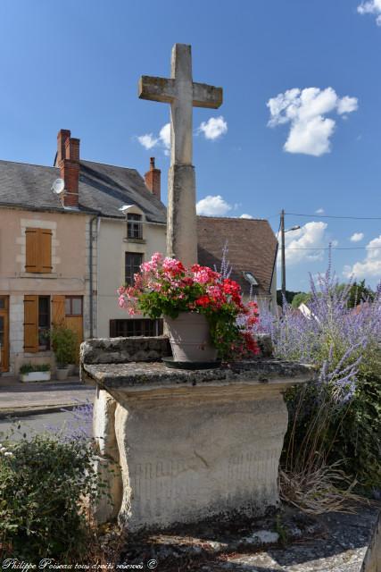 Croix de Saint Laurent l'Abbaye un remarquable patrimoine