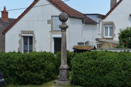 Stèle de la Paix de Tannay Nièvre Passion
