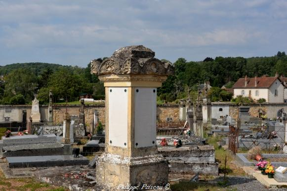 Stèle du Souvenir de Saint Saulge Nièvre Passion