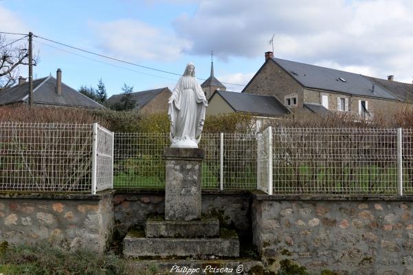 Statue de la vierge de Marigny-l'Église