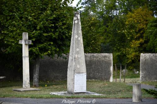 Stèle de Saint Quentin sur Nohain