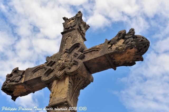 La Croix monumentale de Corbigny