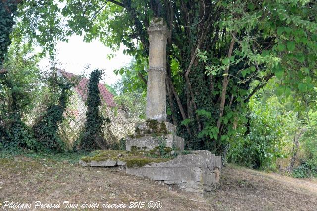 Calvaire de Nolay – Croix de Pierre de Nolay