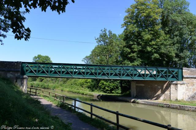 Ponts sur le Canal de la Loire à Sermoise sur Loire