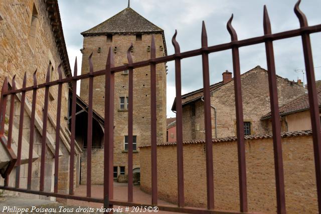 La Tour du Moulin remarquable Abbaye de Cluny