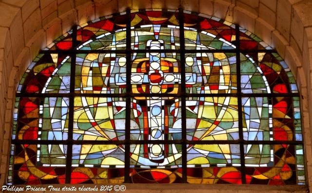 Vitraux de Notre Dame de La Charité-sur-Loire un remarquable patrimoine