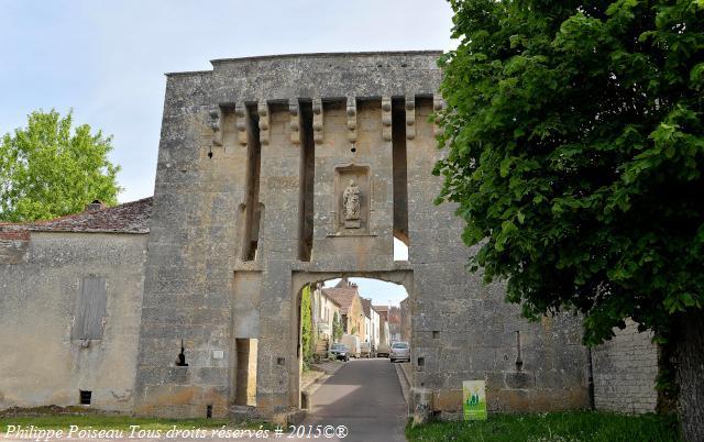 Porte de Flavigny