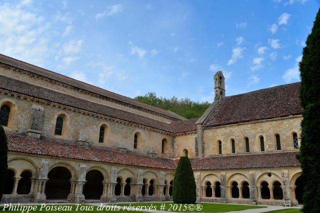 Le Cloître de l'Abbaye de Fontenay