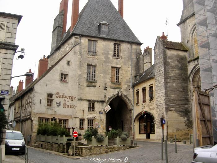Porterie du prieuré de La Charité sur Loire