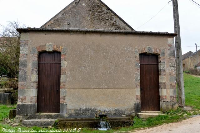 Lavoir du village de Bonneçon