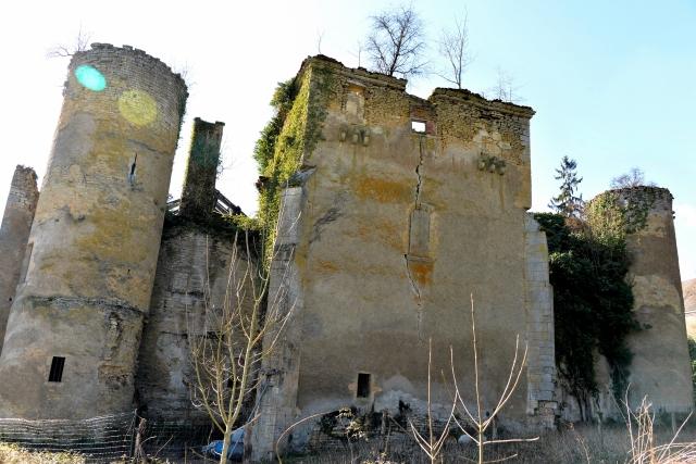 Château de Champlemy un Vieux château nivernais