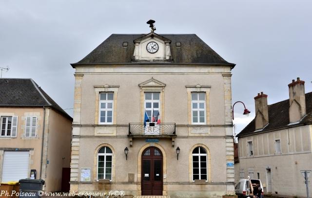 Mairie de Dornes – Hôtel de ville un patrimoine