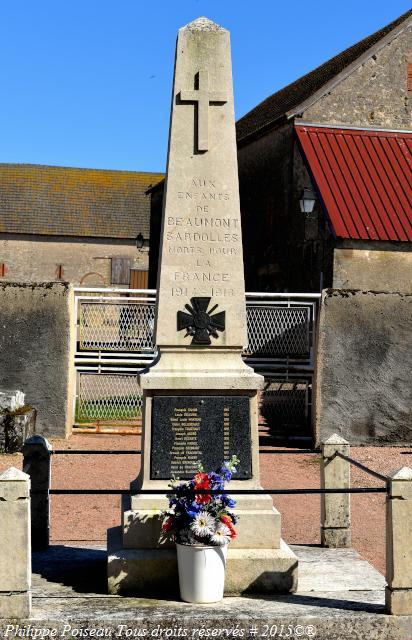Monument aux Morts de Beaumont Sardolles