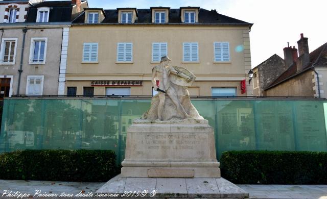 Monument aux Morts de La Charité-sur-Loire