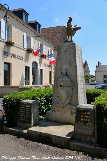 Monument aux Morts de Marzy