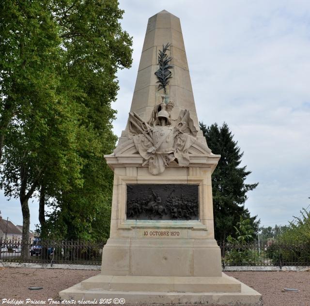 Monument commémoratif Mesves-Sur-Loire Nièvre Passion