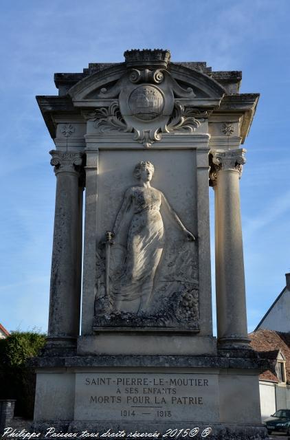 Monument aux morts de Saint Pierre Le Moûtier Nièvre Passion