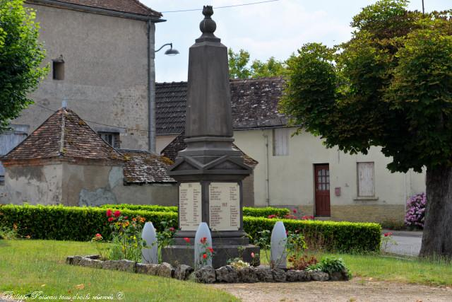 Monument aux morts de La Nocle Maulaix