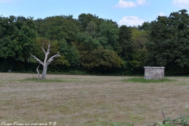 Une cheminée d' aération sur le Canal un patrimoine